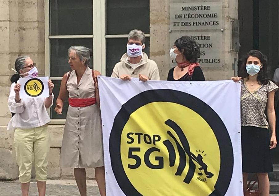 Action pour un moratoire sur la 5G devant le ministère de l'Economie